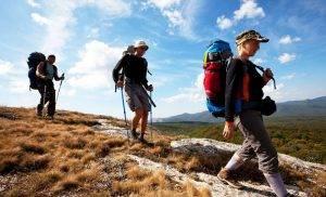 Beneficios senderismo y caminar por la montaña